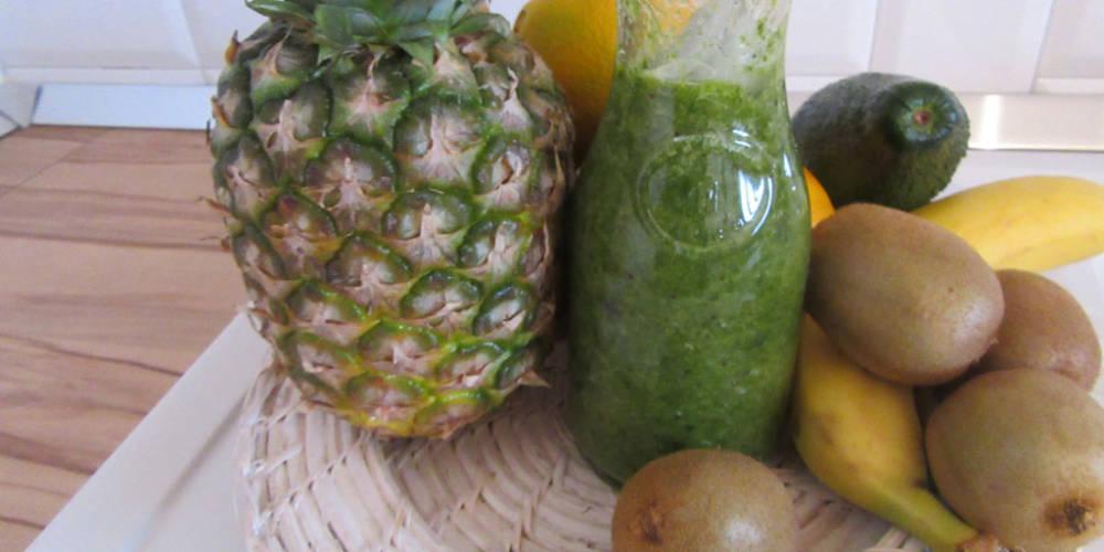Kiwi, Pears & Pineapple Juice