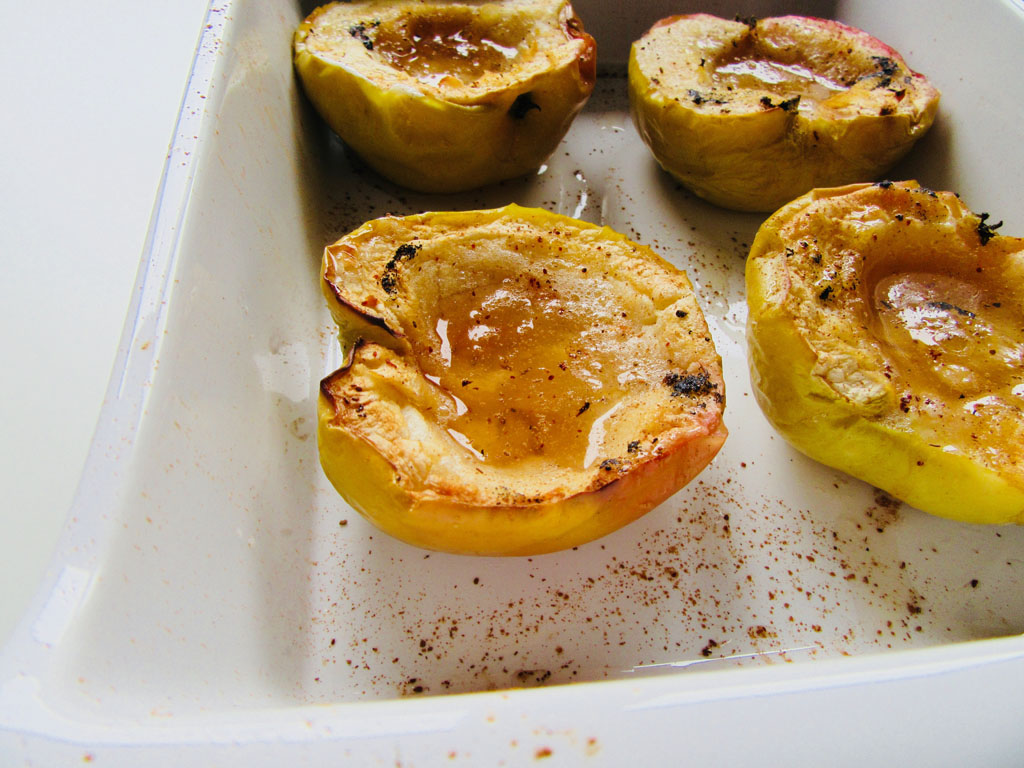 Roasted Apples With Cinnamon & Bourbon Vanilla