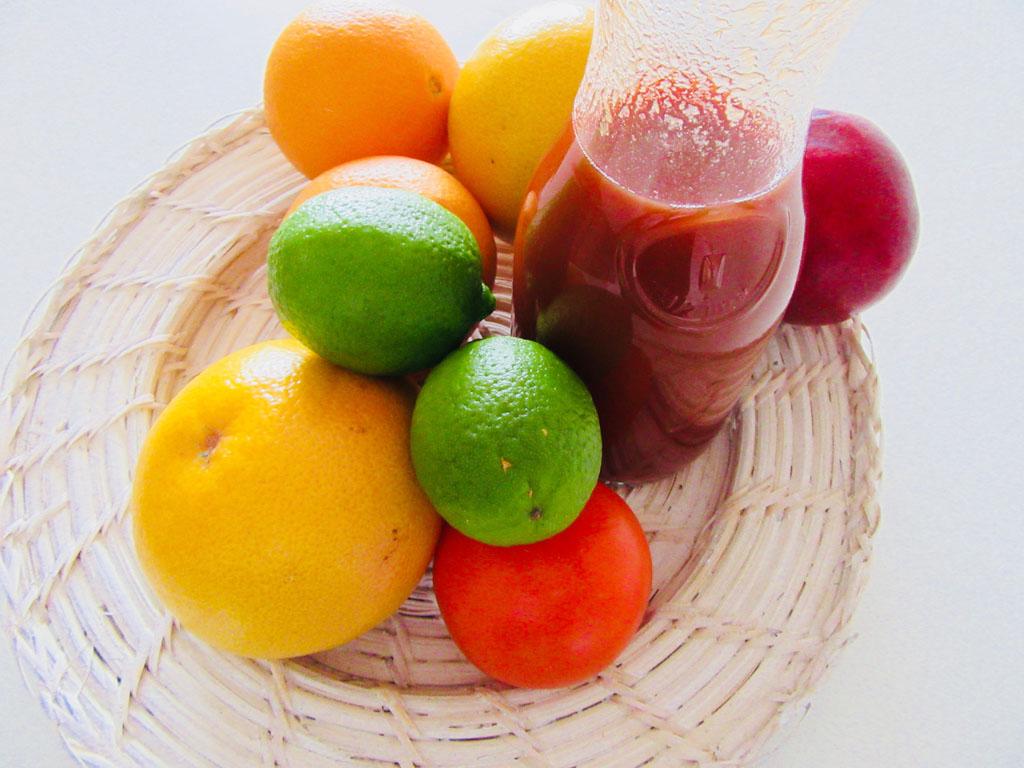 White Grapes & Pomegranates Juice