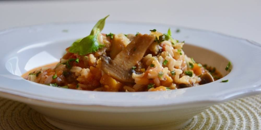 Whole Grain Rice With White Mushrooms