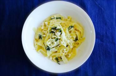 Pasta With Cheese, Arugula And Garlic